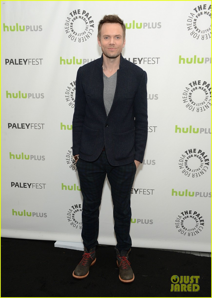 joel mchale alison brie paleyfest with community cast 062825931