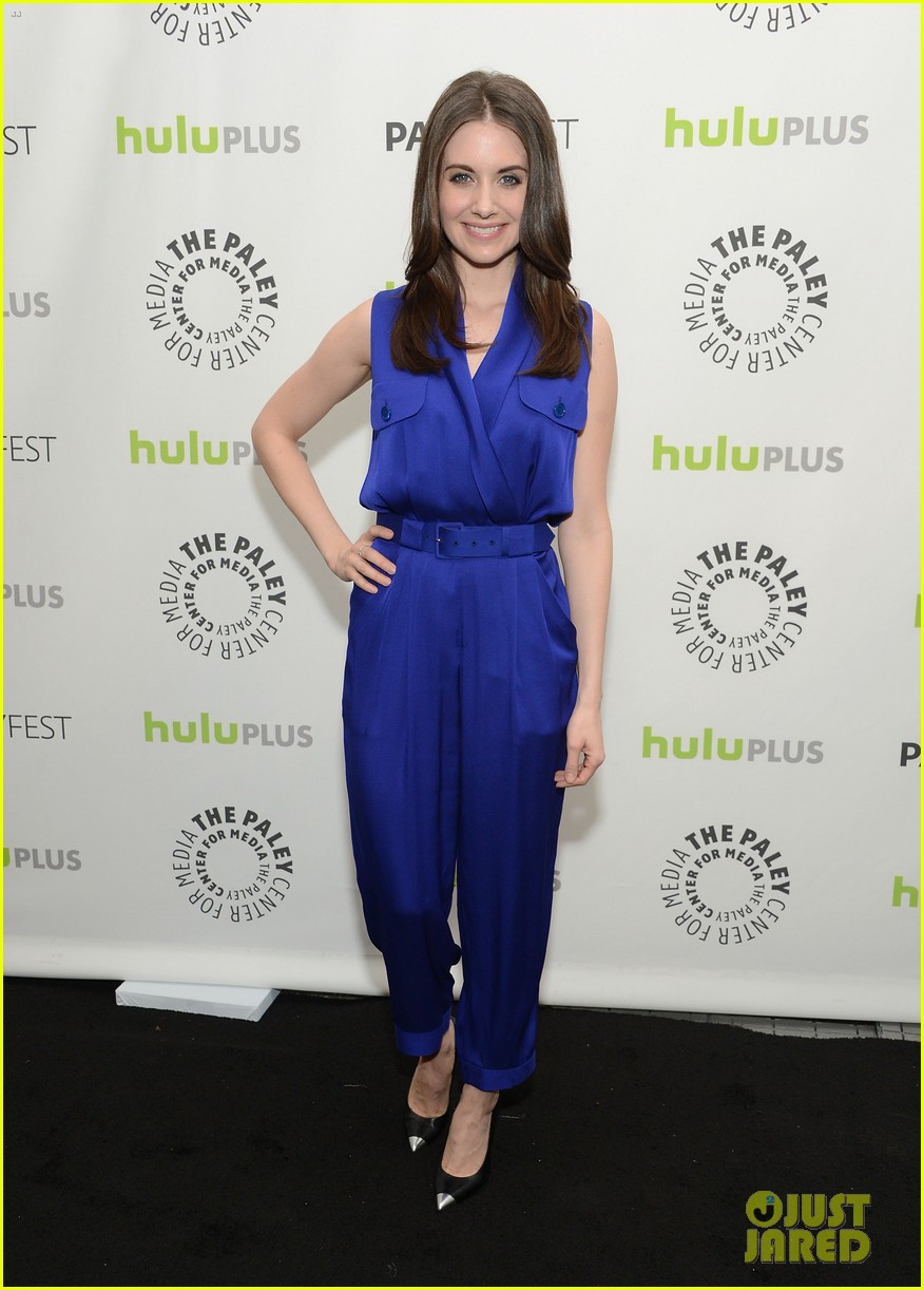 joel mchale alison brie paleyfest with community cast 132825938