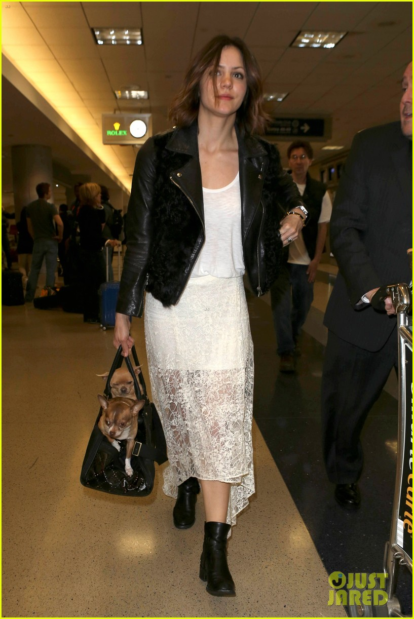 katharine mcphee double puppy purse at airport 012831772
