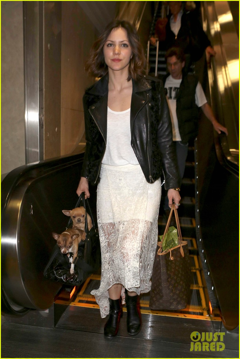 katharine mcphee double puppy purse at airport 032831774