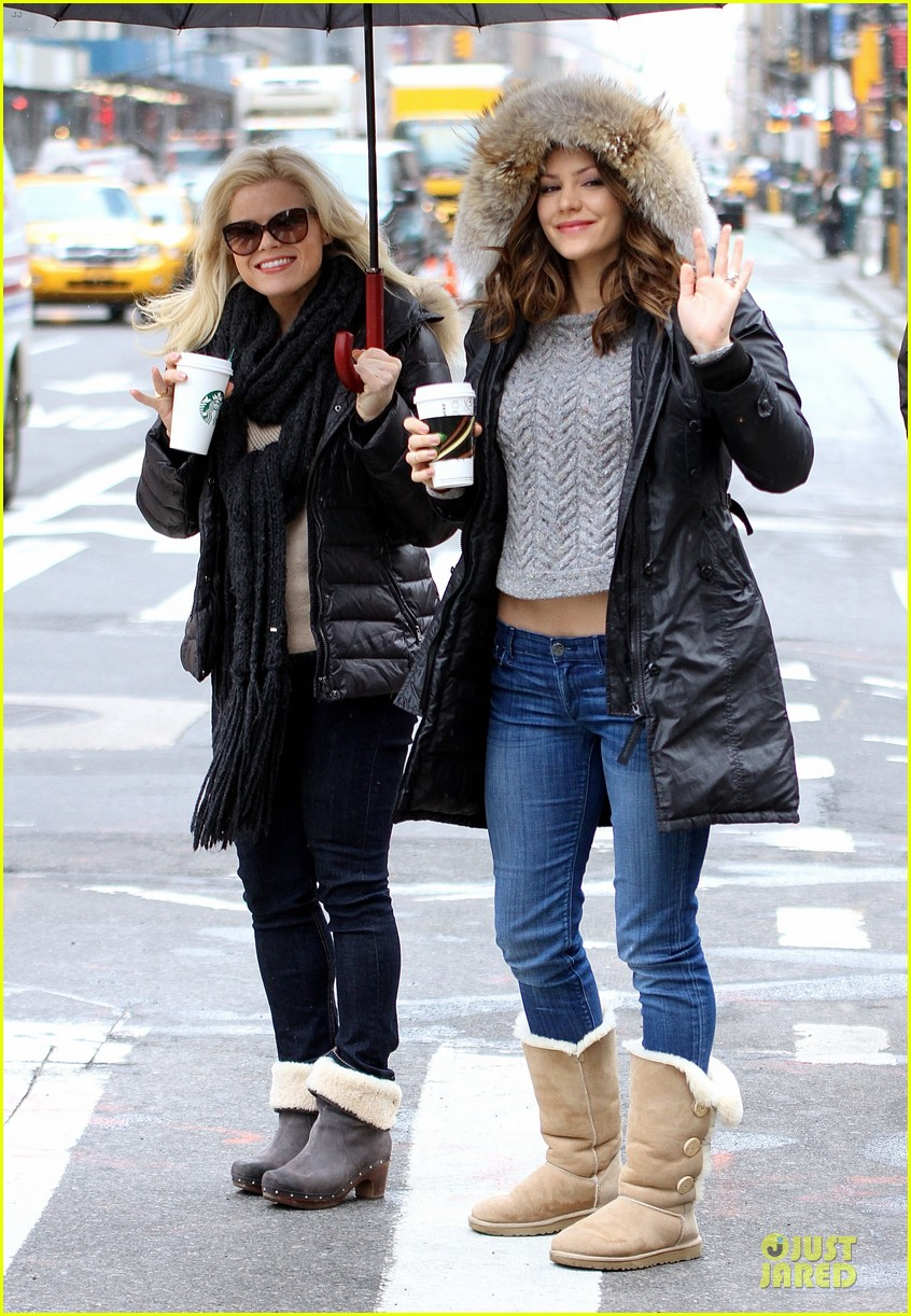 katharine mcphee megan hilty snowy smash set 032827469