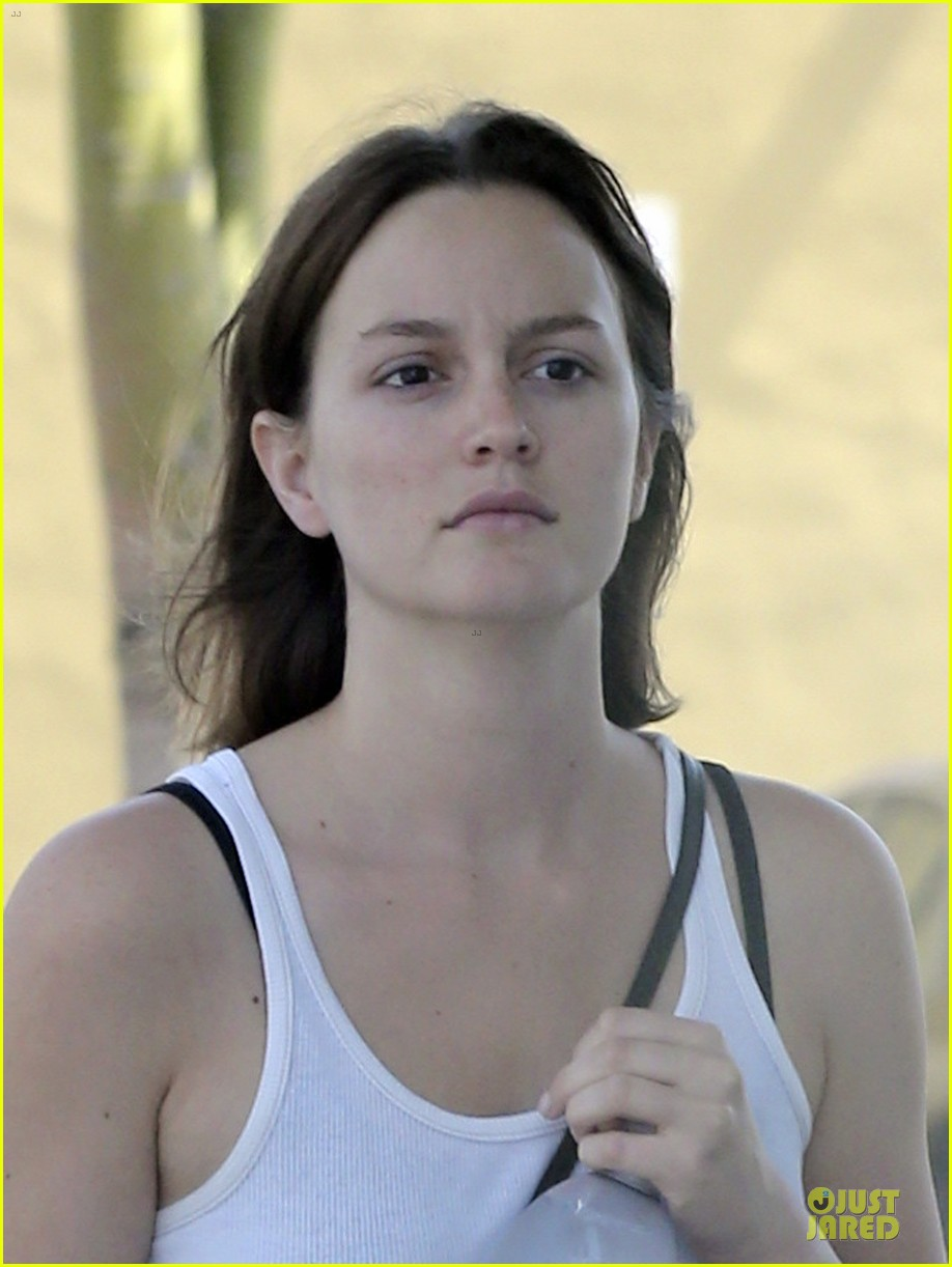 leighton meester yoga fit friday 062836093