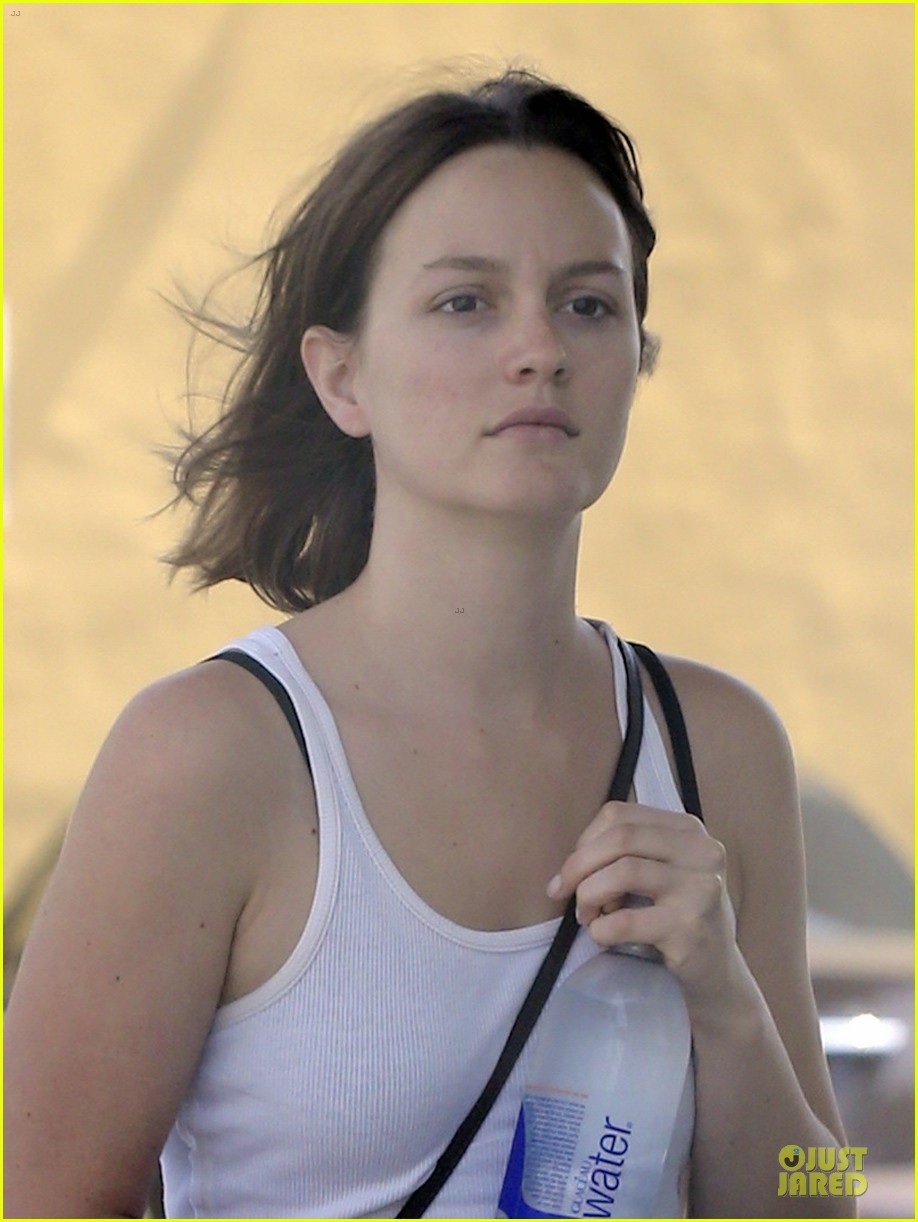 leighton meester yoga fit friday 08