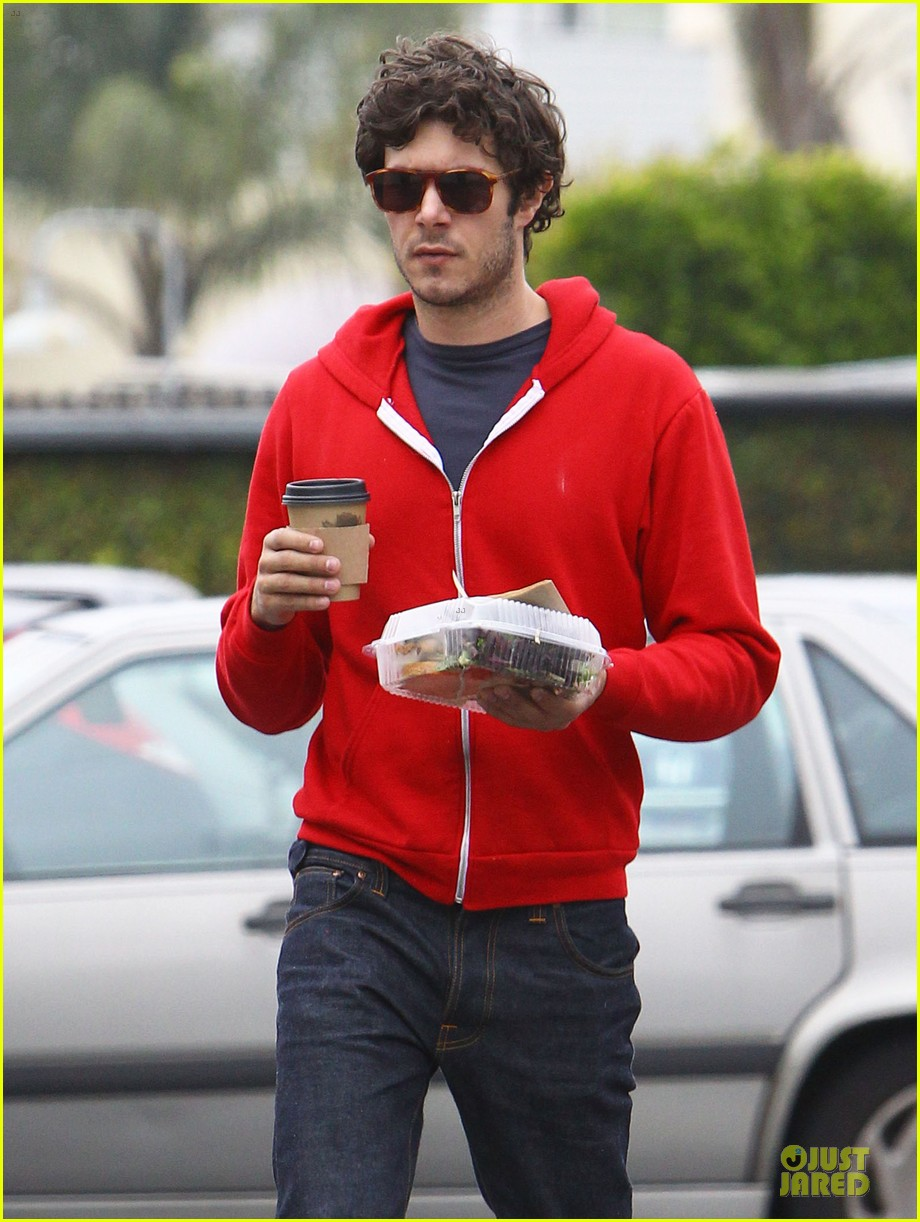 leighton meester adam brody separate lunch outings 12