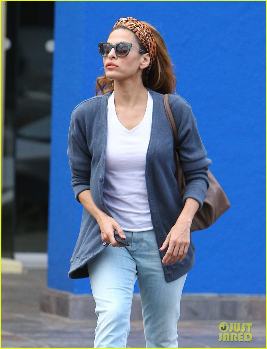 eva mendes afternoon with hugo 162827088