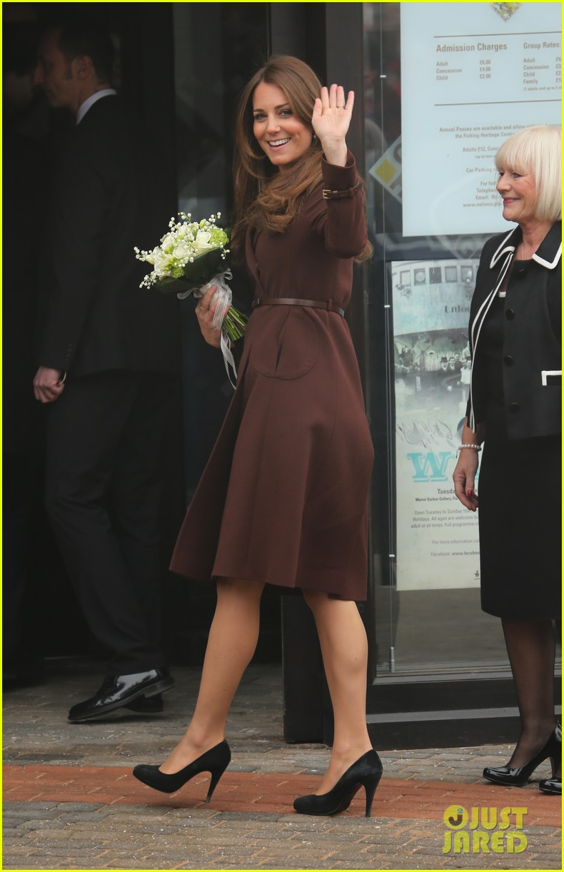 kate middleton pregnant national fishing heritage center visit 14