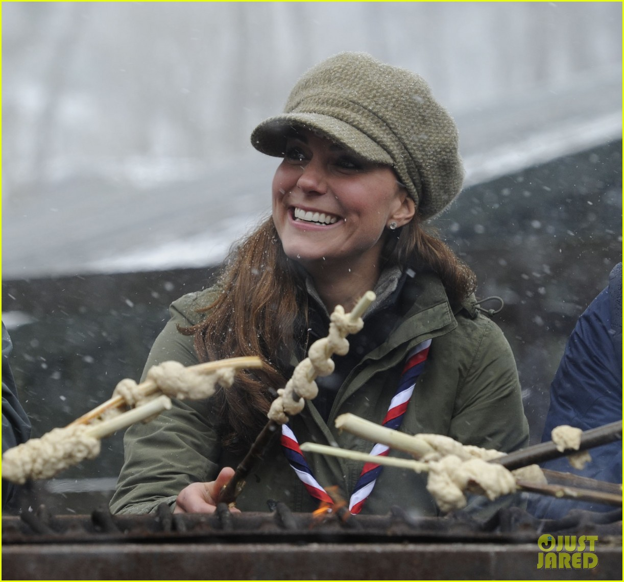 kate middleton pregnant great tower scout camp visit 122835763