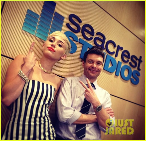 miley cyrus new music coming collaboration with snoop dogg 022835773