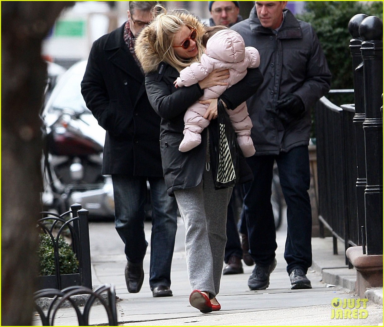 sienna miller tom sturridge sunday family day with marlow 032832462