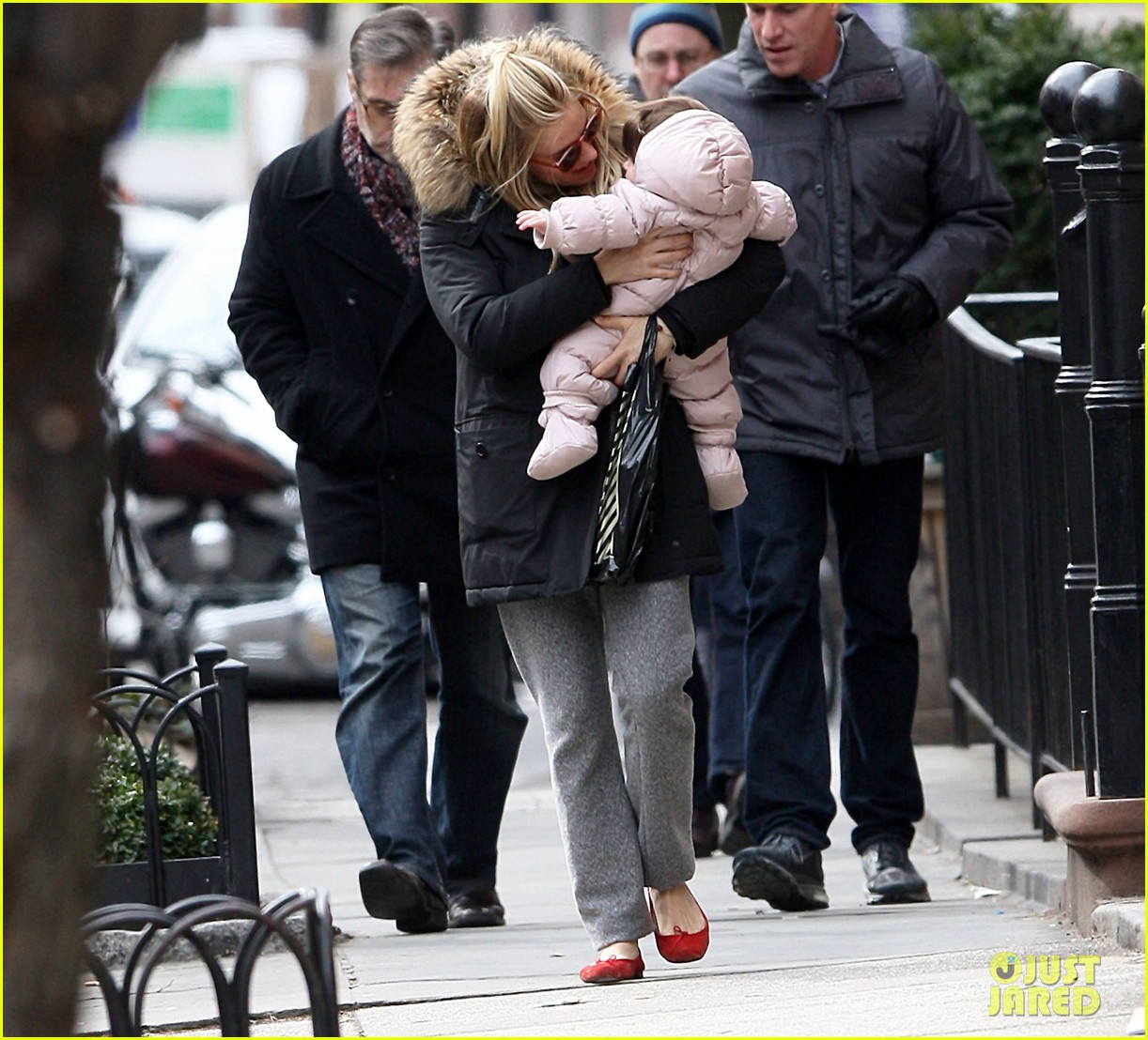 sienna miller tom sturridge sunday family day with marlow 09