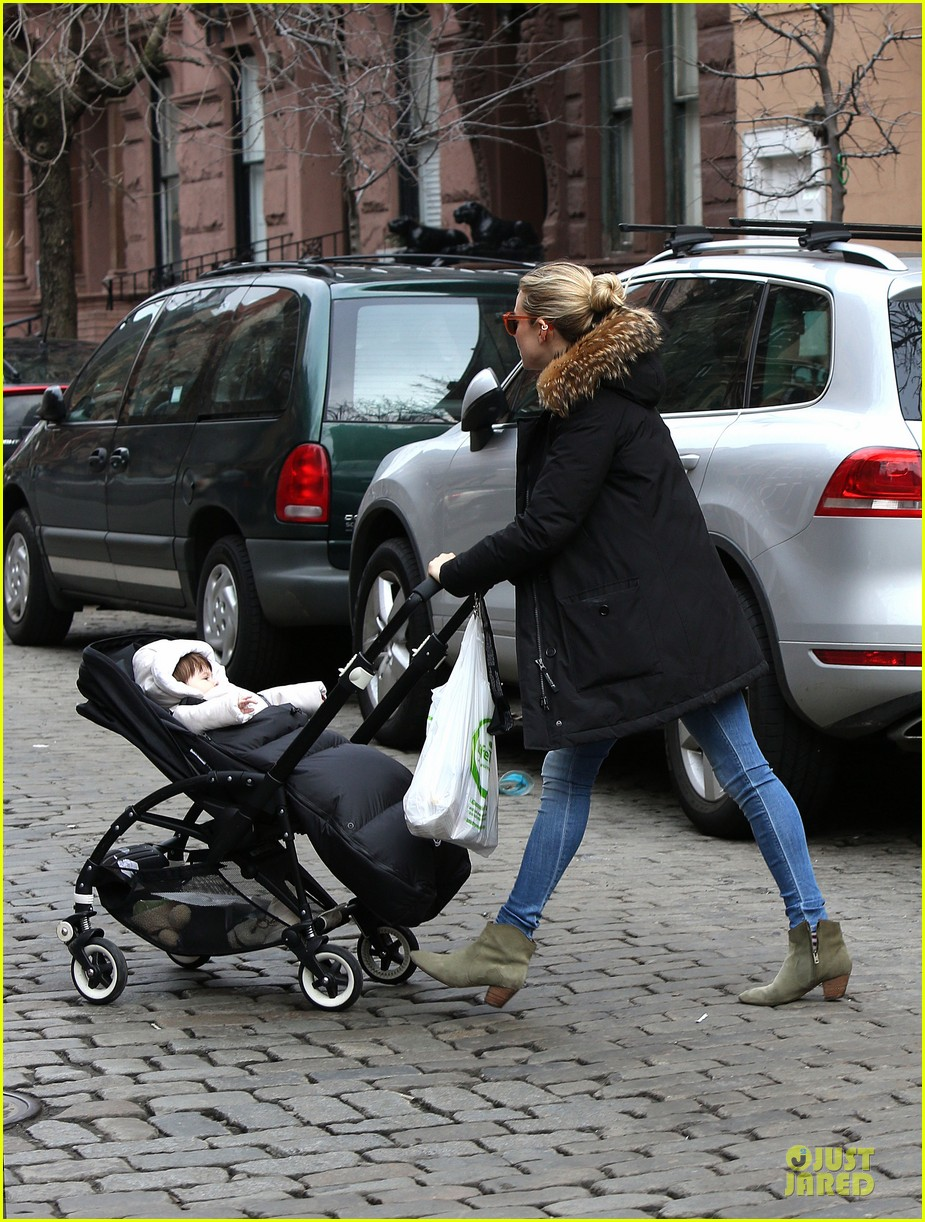 sienna miller stroller pushing with marlowe 102829742