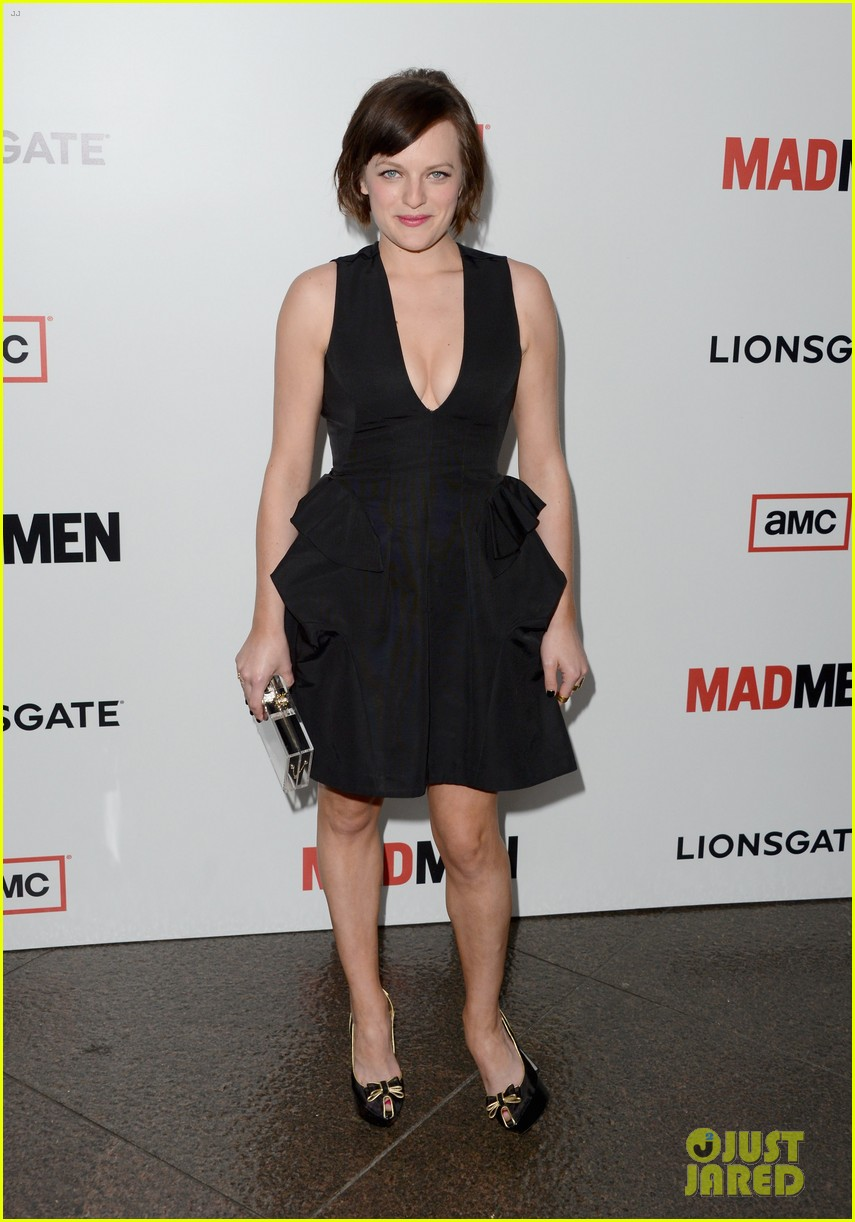 elisabeth moss christina hendricks mad men premiere 032834774