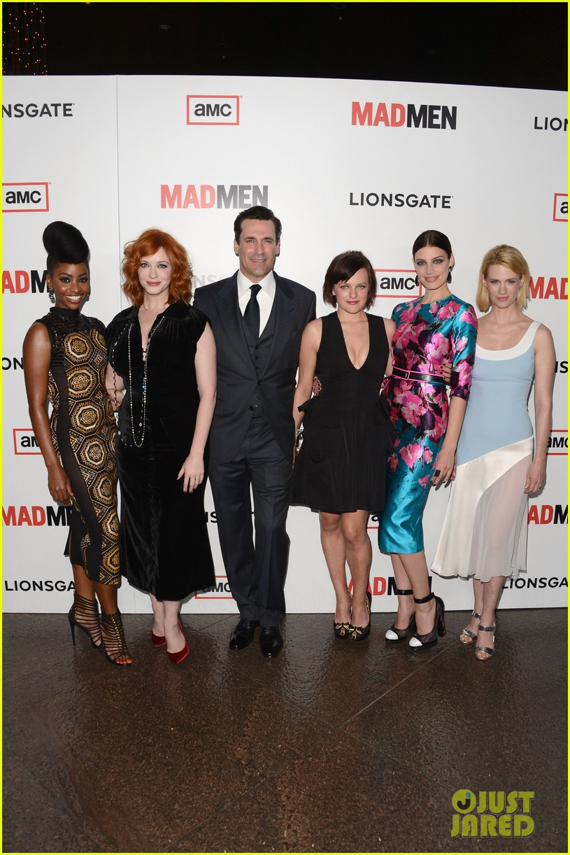 elisabeth moss christina hendricks mad men premiere 042834775