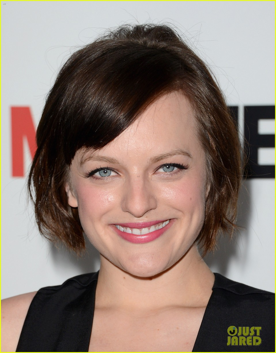 elisabeth moss christina hendricks mad men premiere 082834779