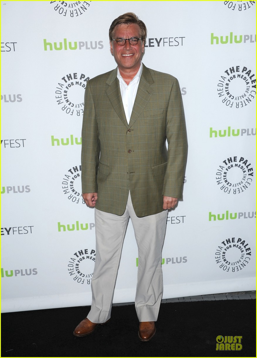 olivia munn dev patel paleyfest with newsroom cast 09