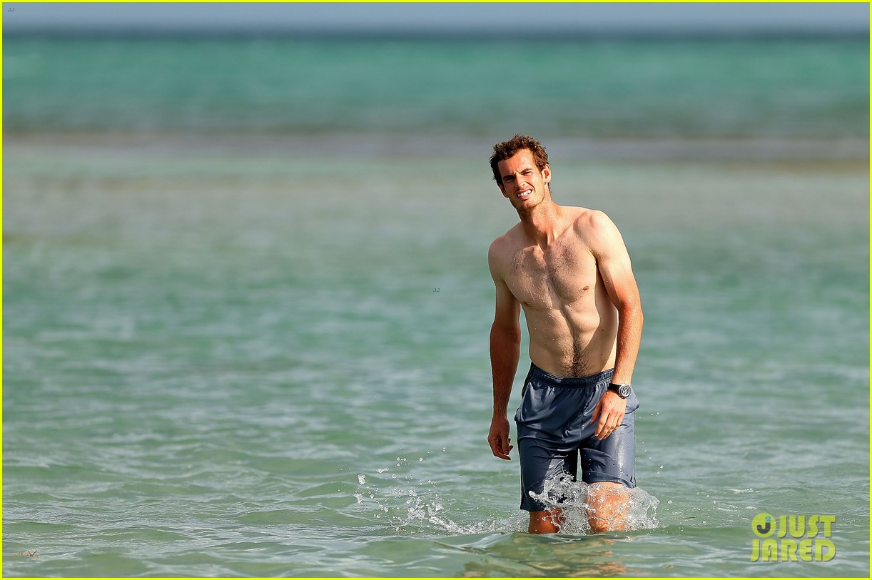 andy murray shirtless victory swim after sony open win 022841152
