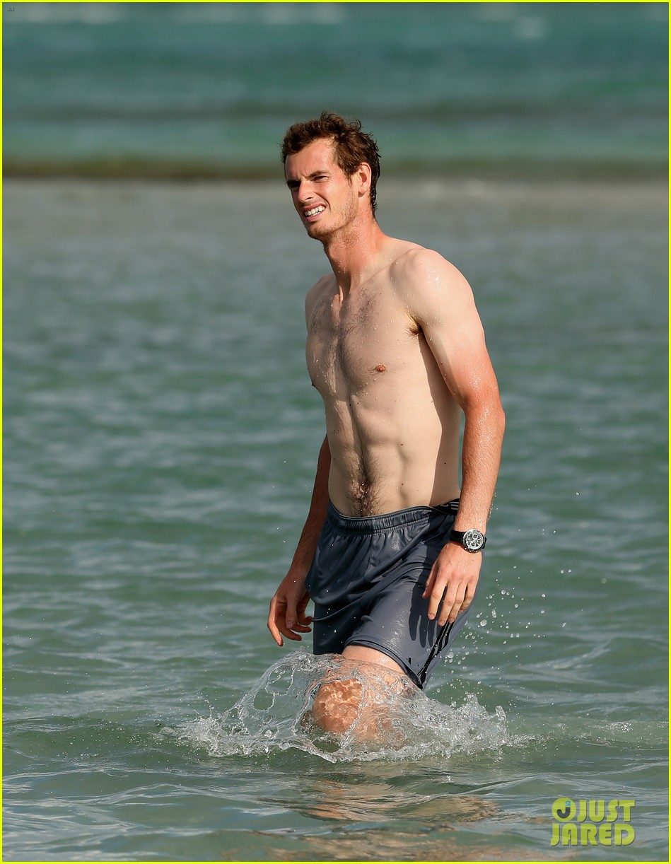 andy murray shirtless victory swim after sony open win 032841153