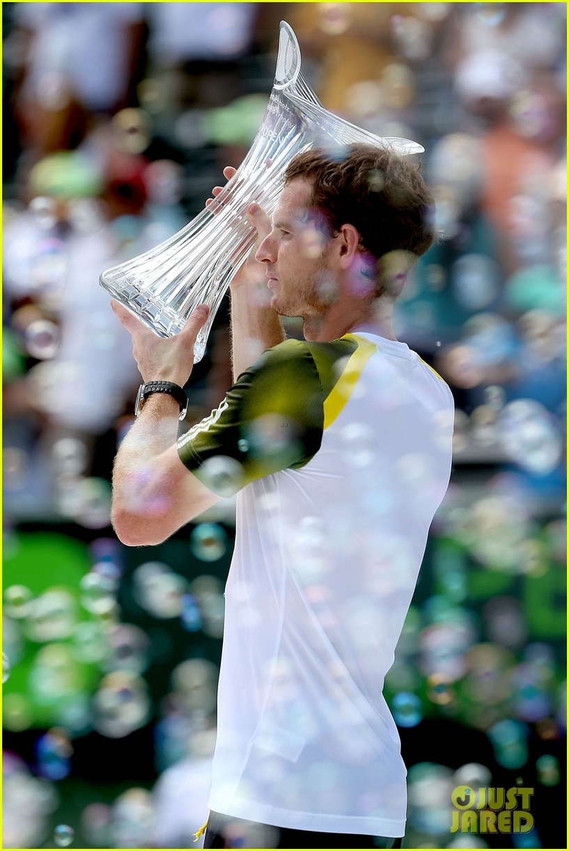 andy murray shirtless victory swim after sony open win 072841157