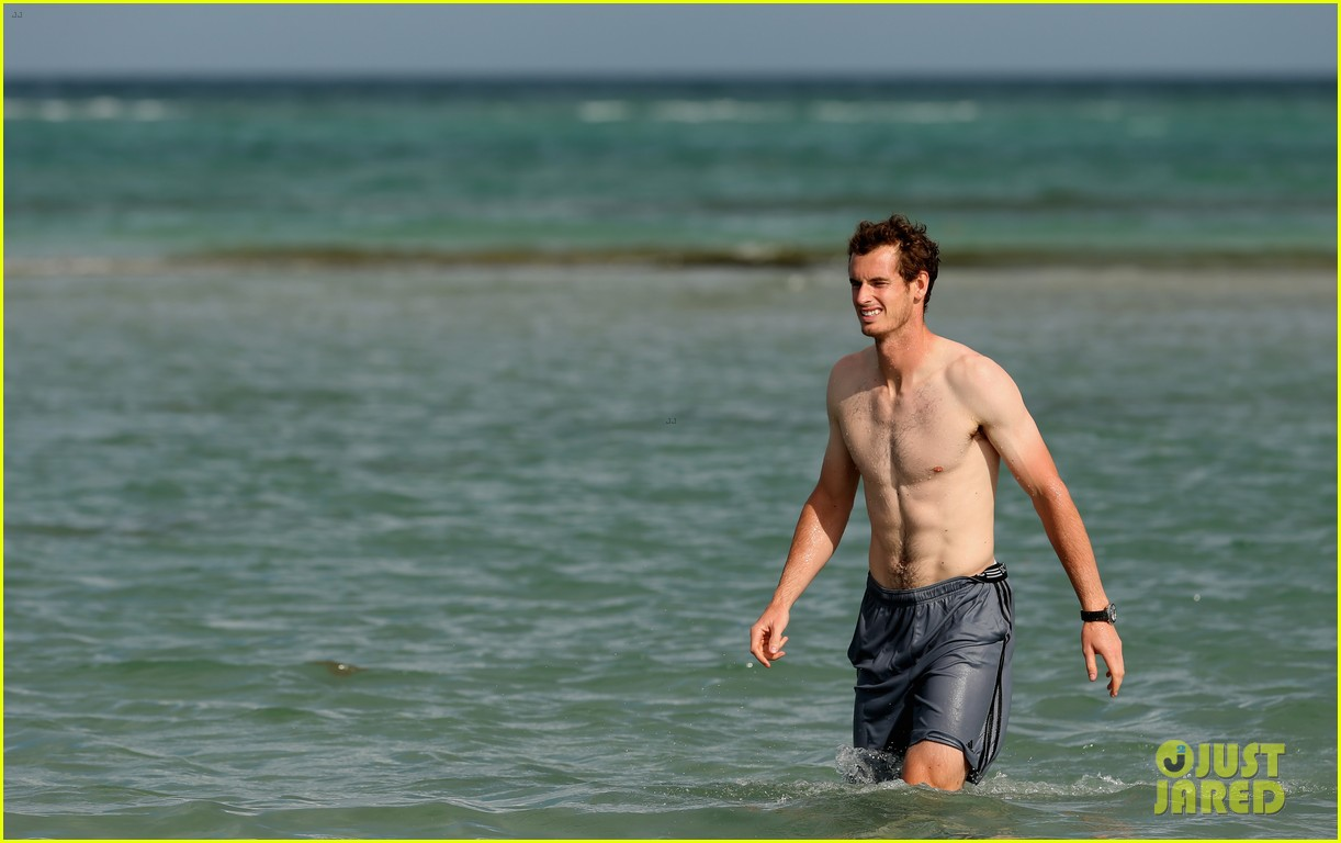 andy murray shirtless victory swim after sony open win 202841170