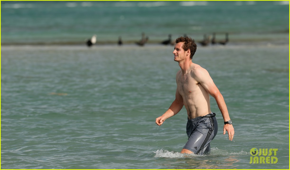 andy murray shirtless victory swim after sony open win 232841173