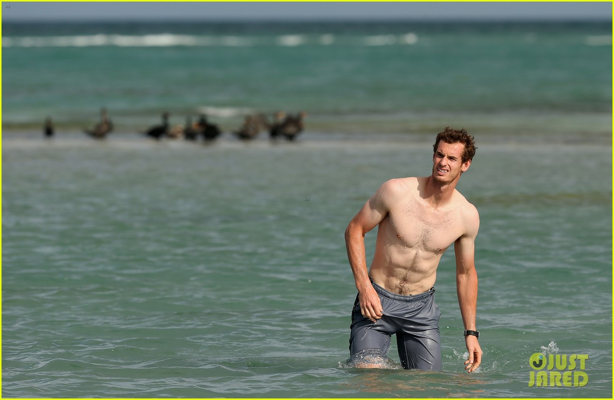 andy murray shirtless victory swim after sony open win 242841174