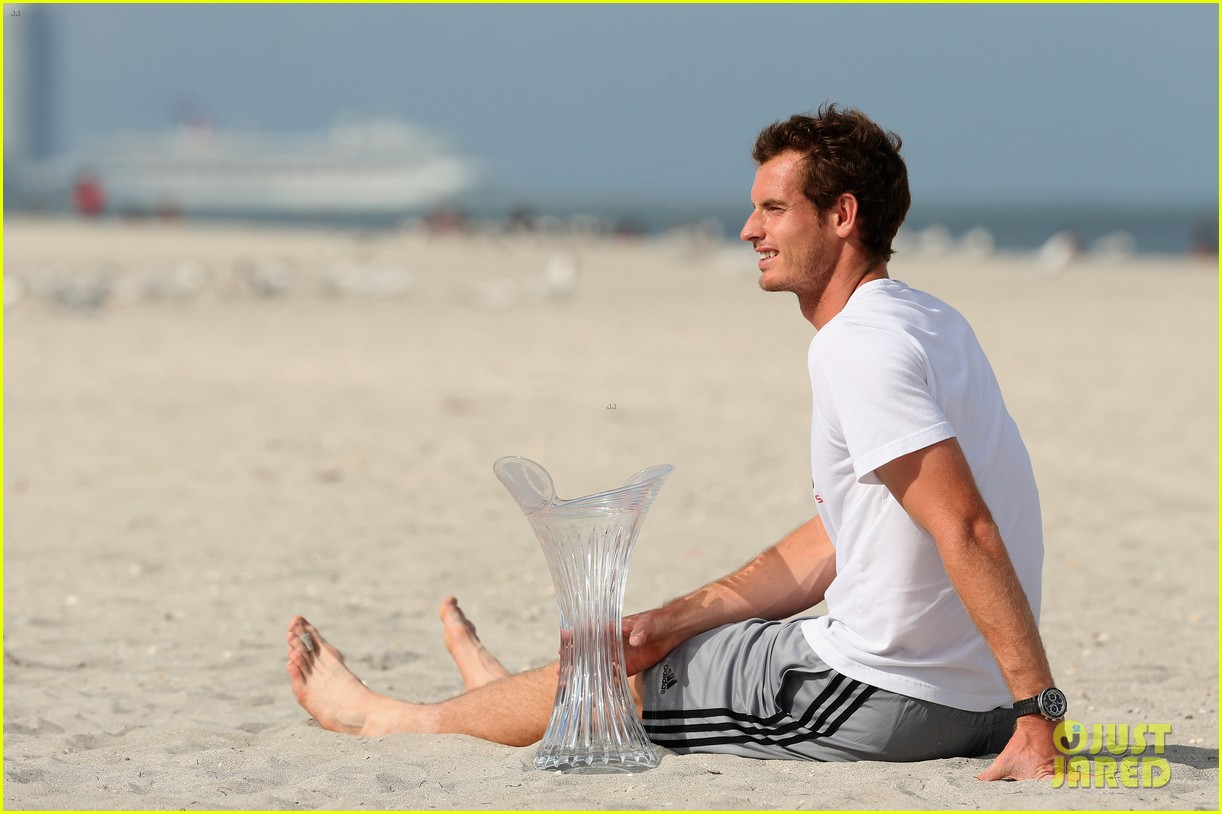 andy murray shirtless victory swim after sony open win 302841180
