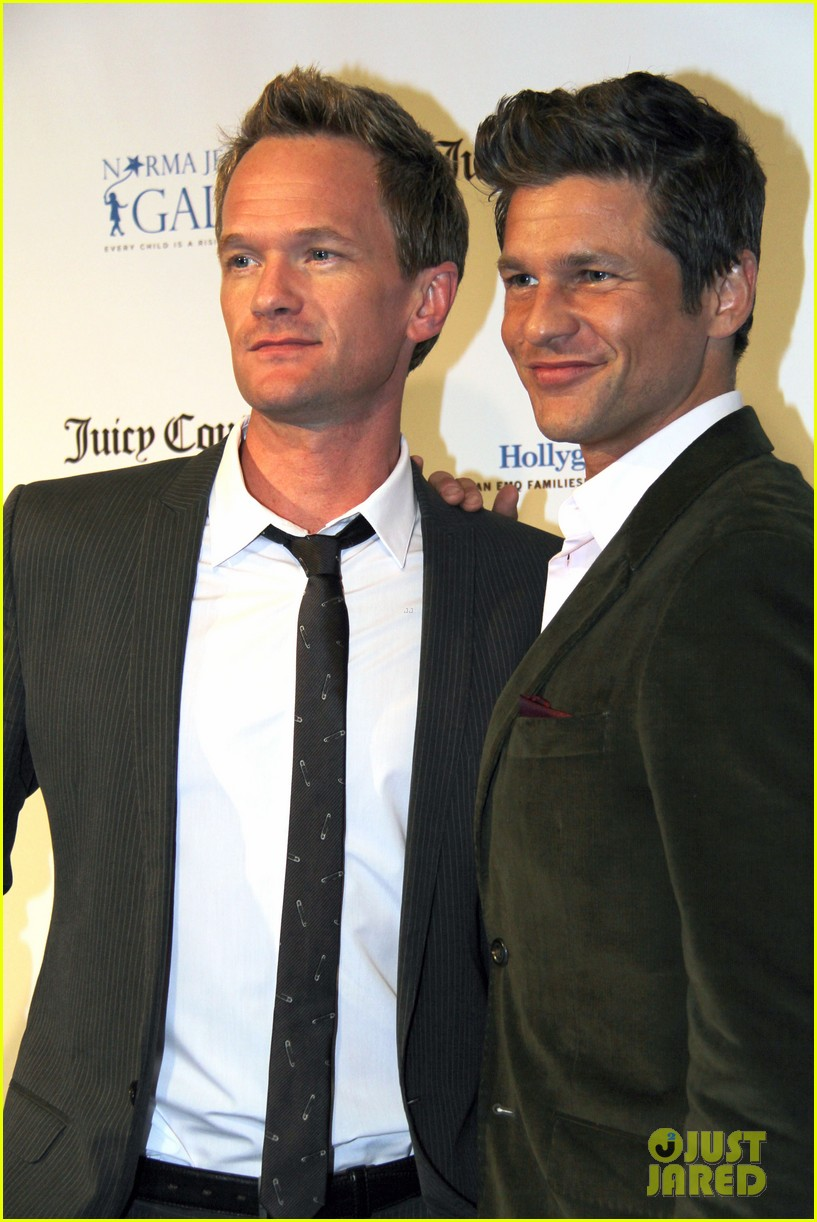 neil patrick harris busy philipps norma jean gala 022835127