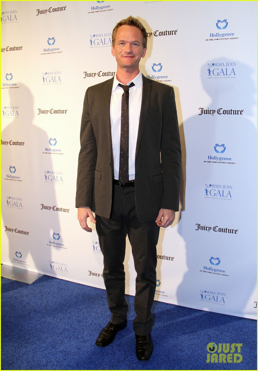 neil patrick harris busy philipps norma jean gala 082835133