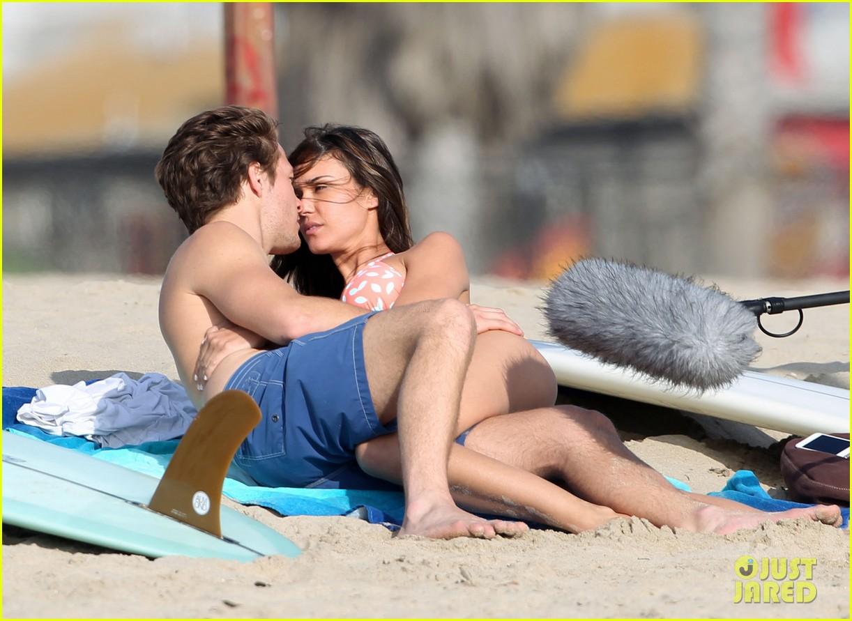 odette annable bikini kissing for westside pilot 052839282