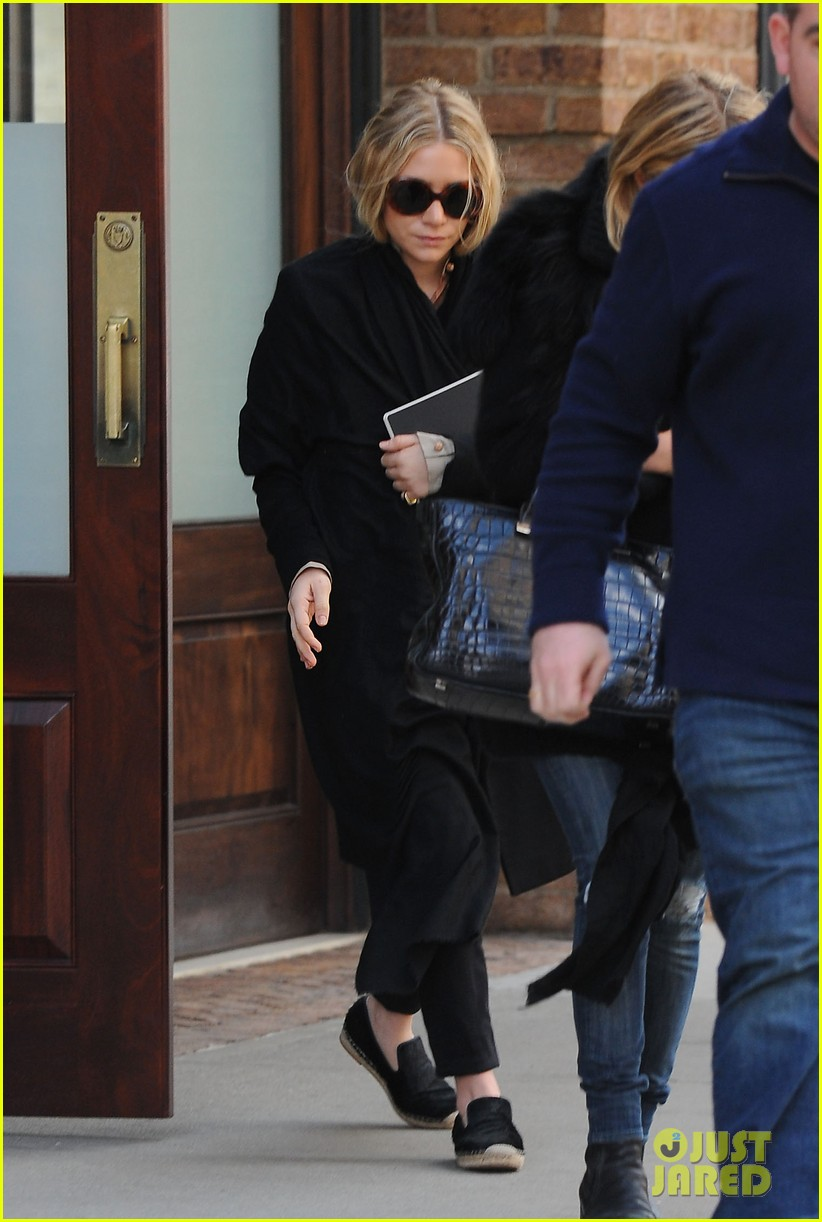 mary kate ashley olsen cfda awards nominations 2013 03