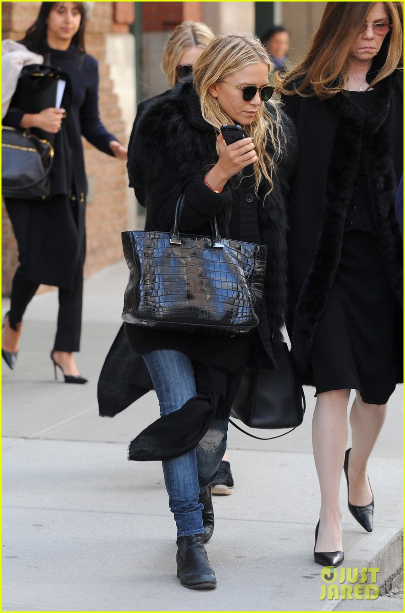 mary kate ashley olsen cfda awards nominations 2013 10