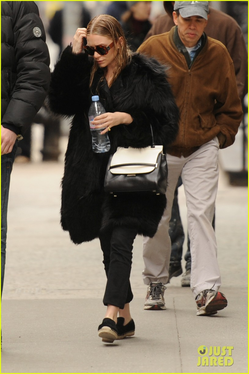 ashley olsen wet hair in the big apple 052823916