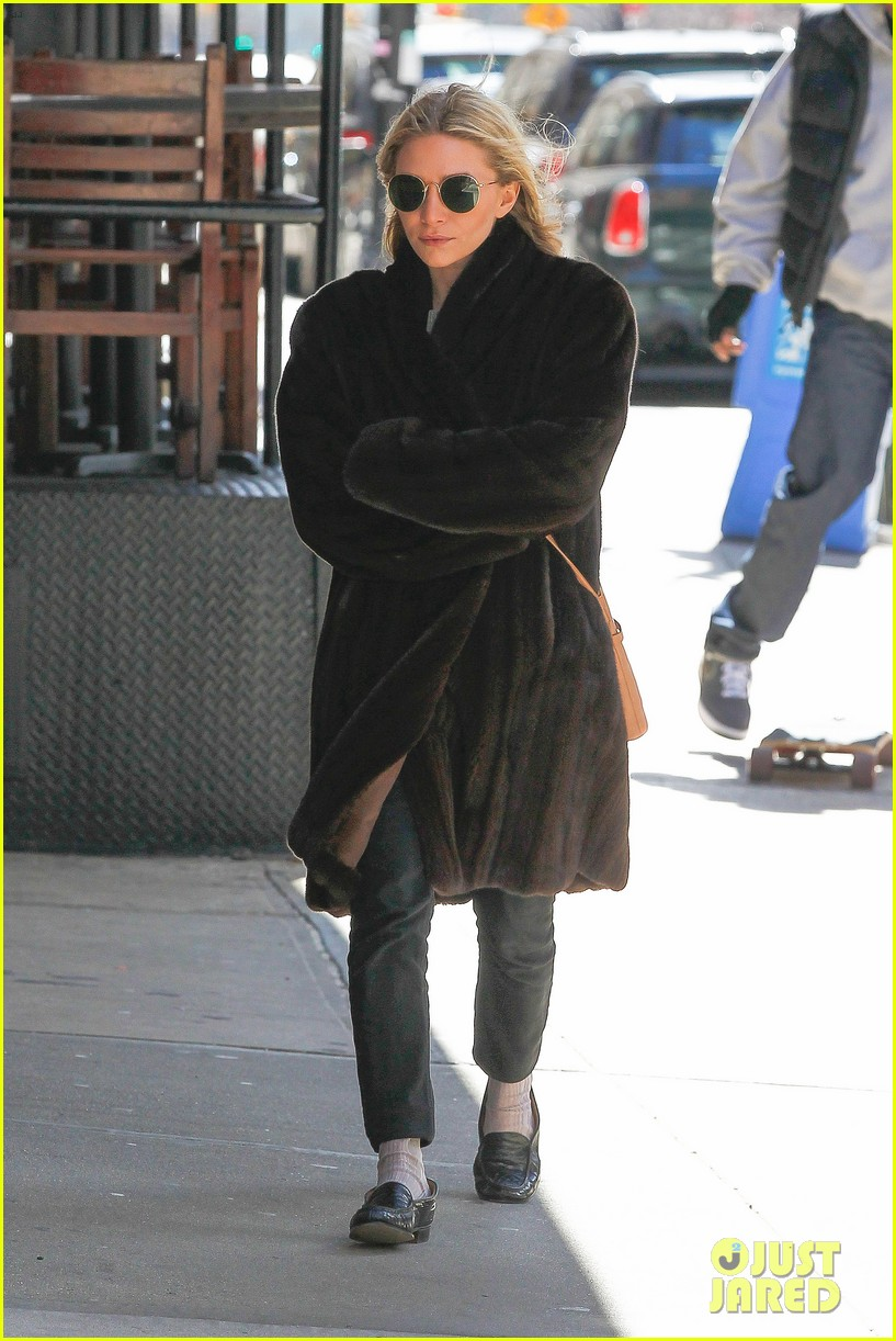 ashley olsen windy nyc errands 052837011