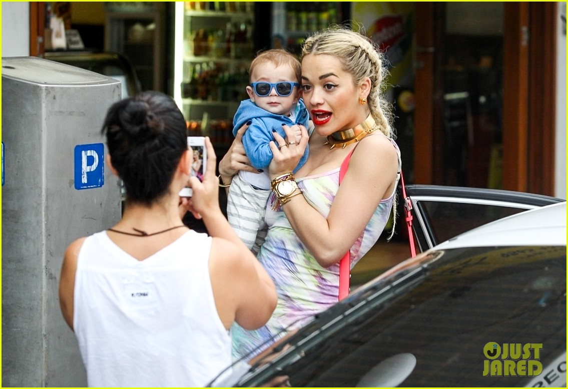 rita ora shopping in sydney 042822955