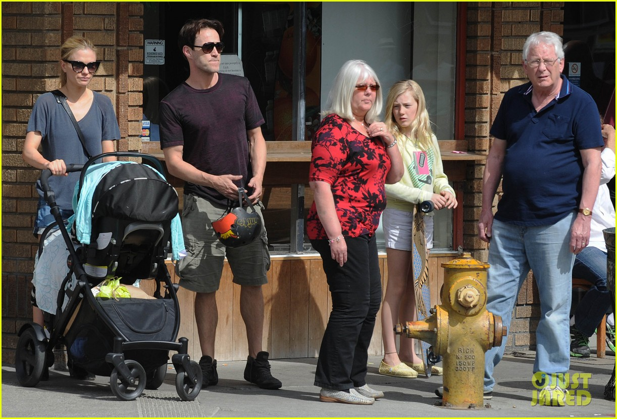 anna paquin stephen moyer abbot kinney with the family 012824785