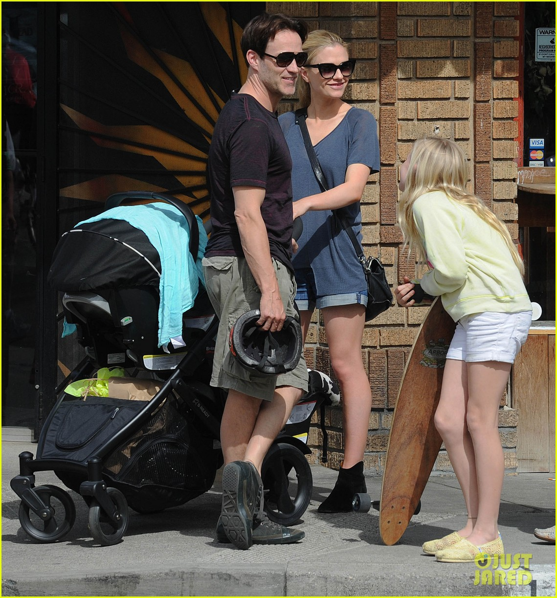 anna paquin stephen moyer abbot kinney with the family 02