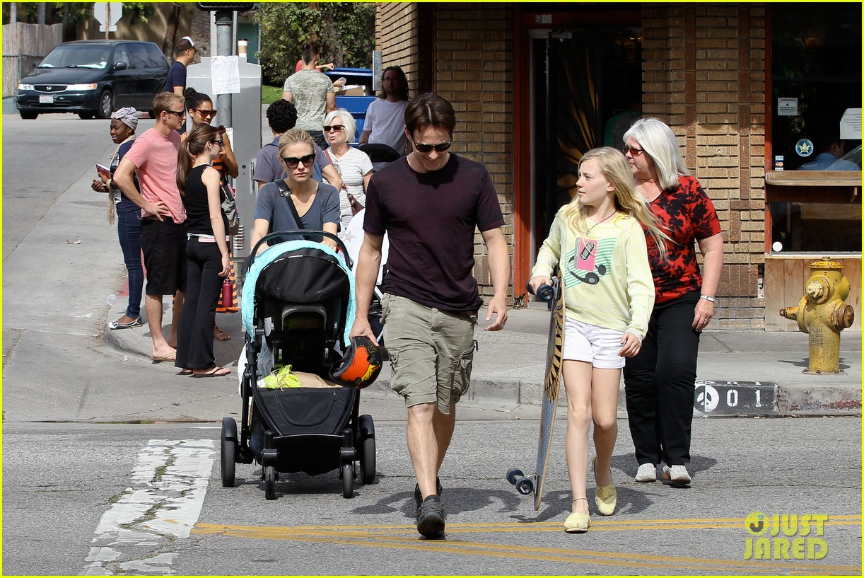 anna paquin stephen moyer abbot kinney with the family 032824787