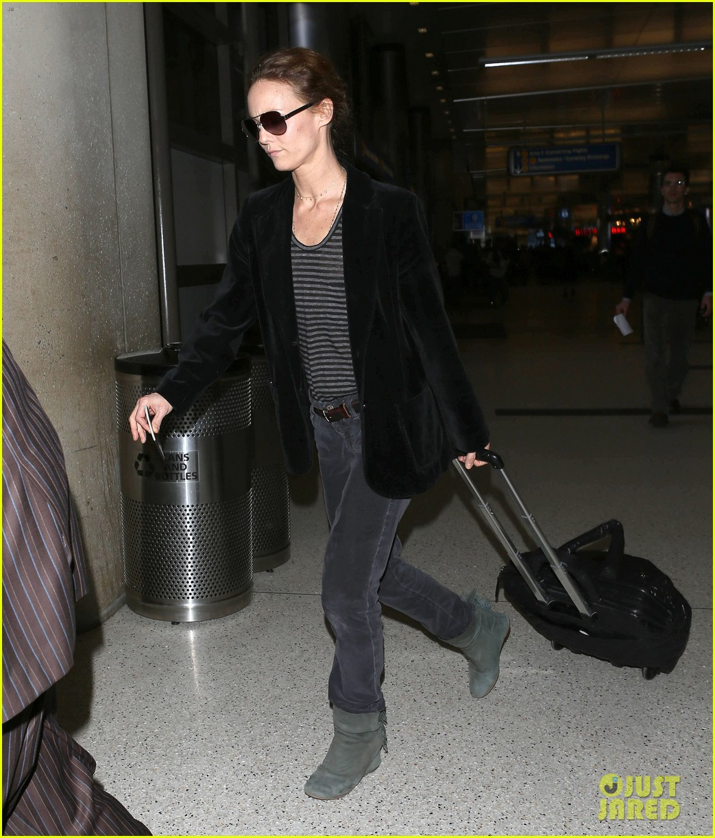 vanessa paradis lax departure 10
