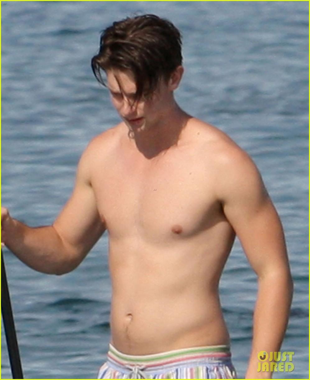 patrick schwarzenegger shirtless hawaii hottie 022839138