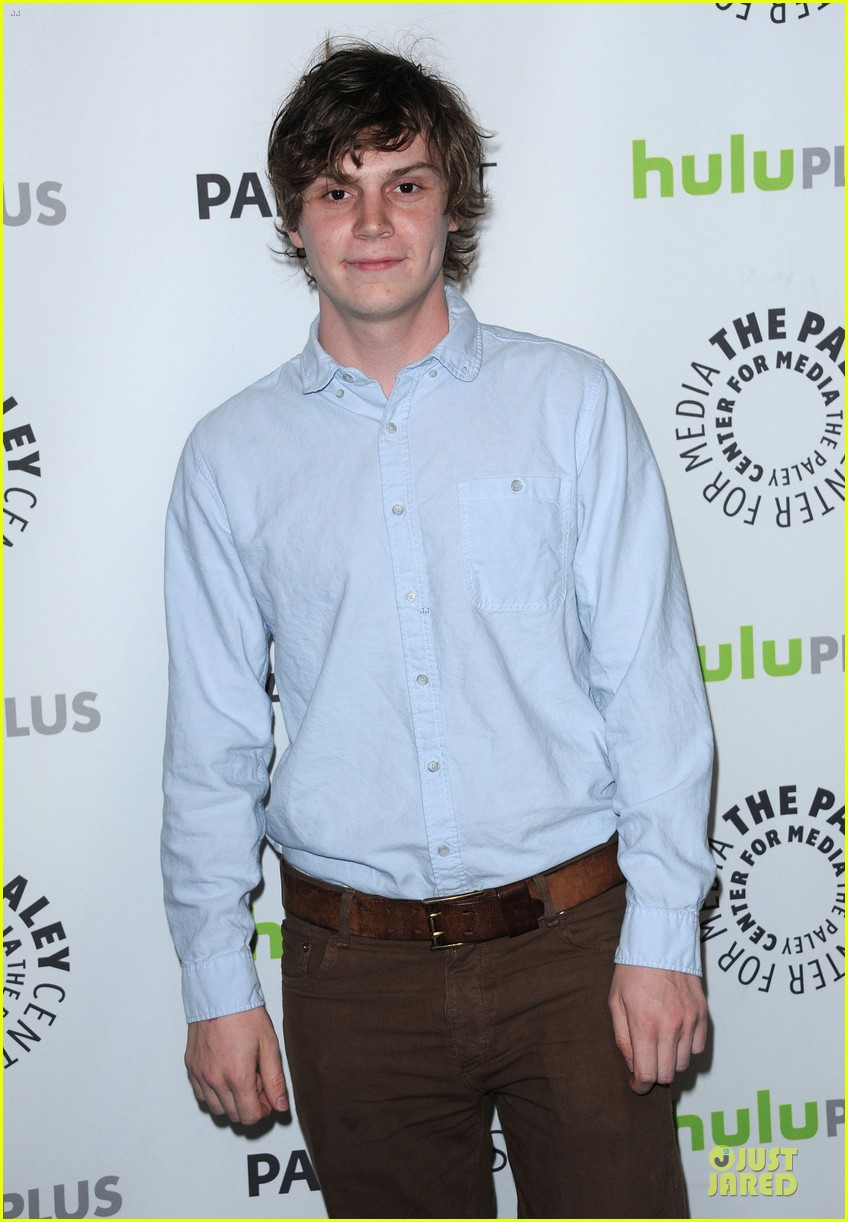 evan peters sarah paulson paleyfest with american horror story cast 122831578
