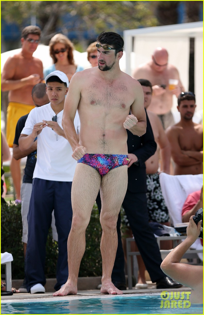 michael phelps shirtless speedo poolside afternoon 092834571