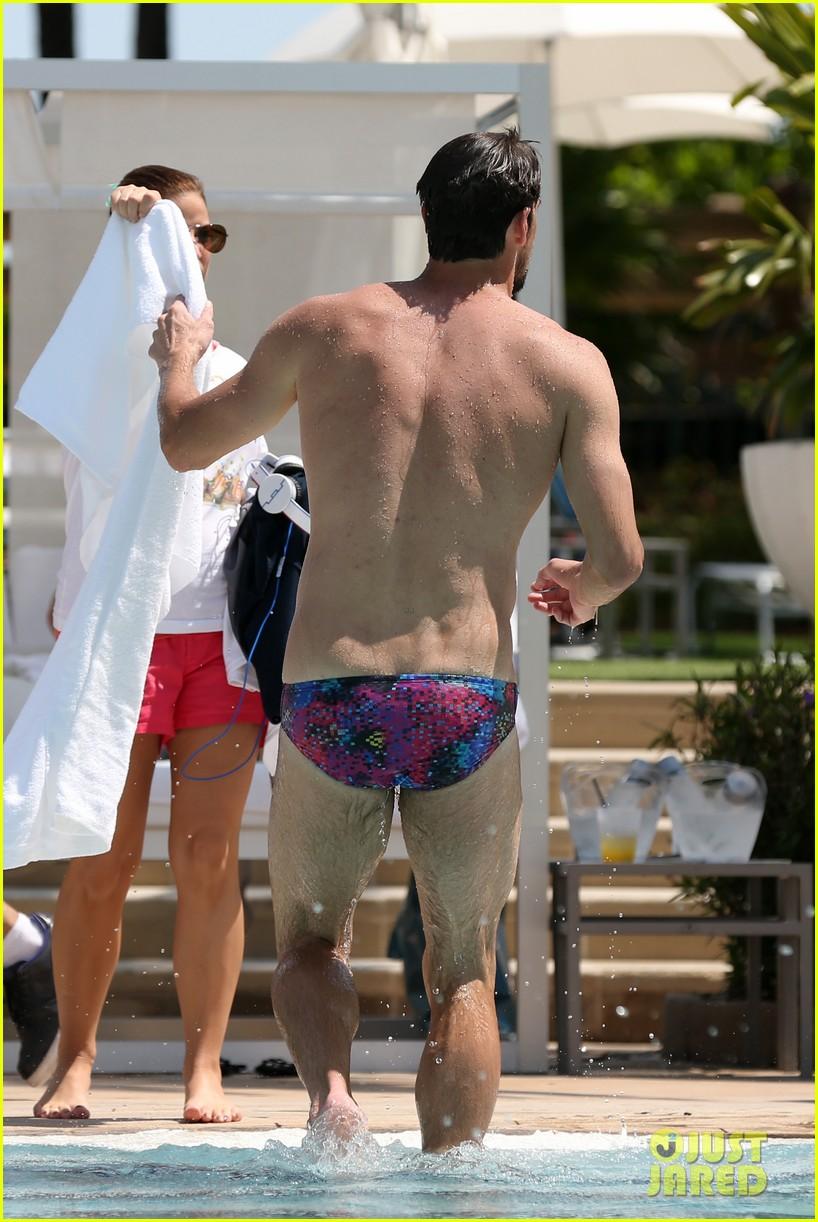 michael phelps shirtless speedo poolside afternoon 142834576
