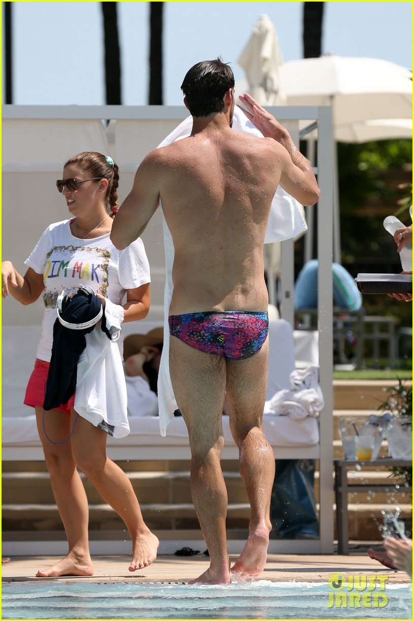 michael phelps shirtless speedo poolside afternoon 152834577