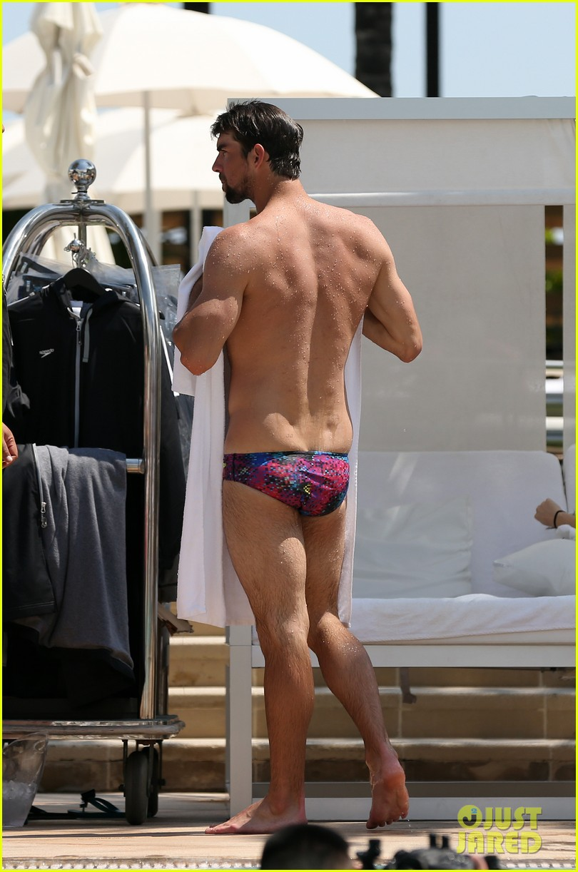 michael phelps shirtless speedo poolside afternoon 162834578