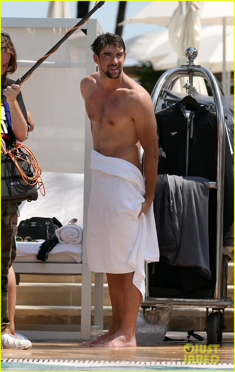 michael phelps shirtless speedo poolside afternoon 182834580
