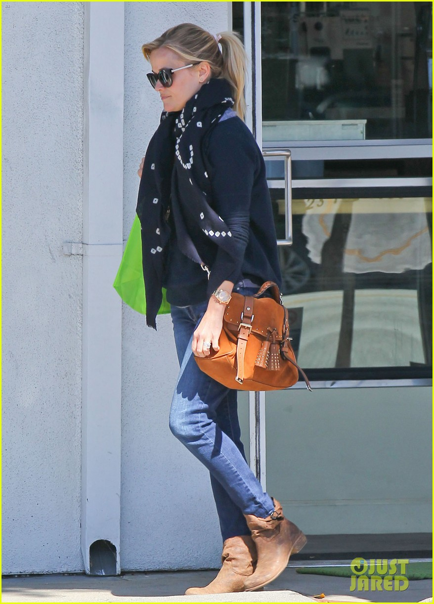 reese witherspoon sunday shopping spree 14