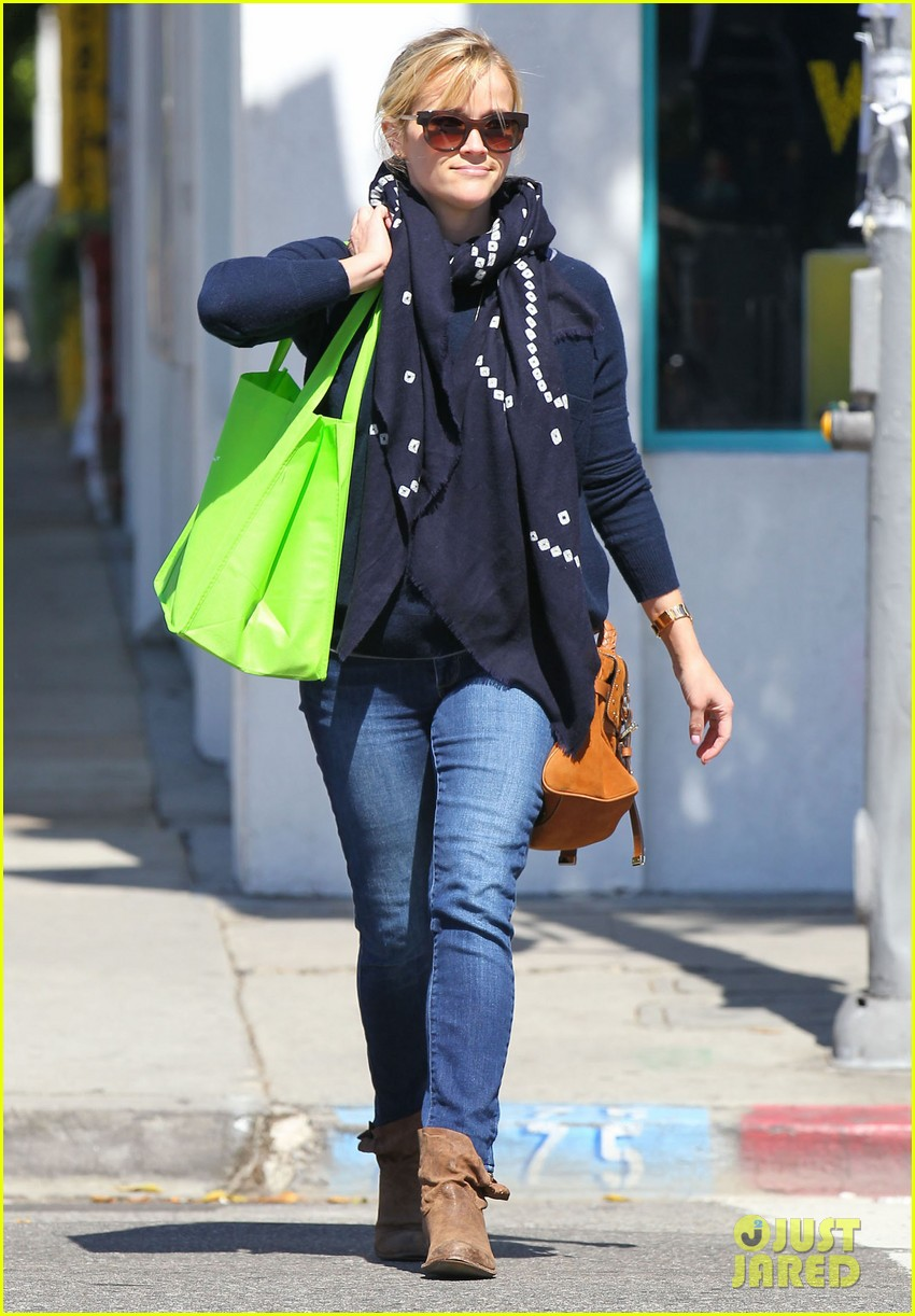 reese witherspoon sunday shopping spree 192828536
