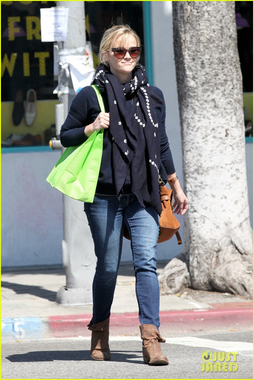 reese witherspoon sunday shopping spree 22
