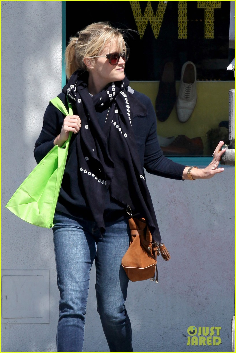 reese witherspoon sunday shopping spree 29