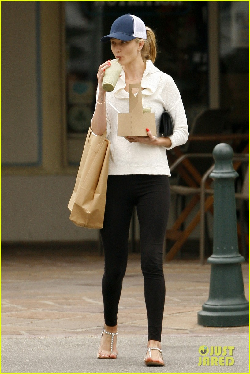 rosie huntington whiteley healthy juice run 032832421